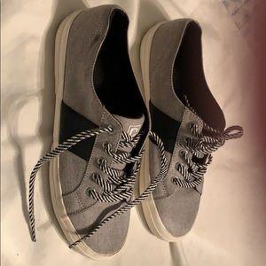 Chaps Ladies Sneakers 19B